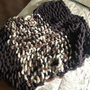 Other - Cozy chunky blanket / throw